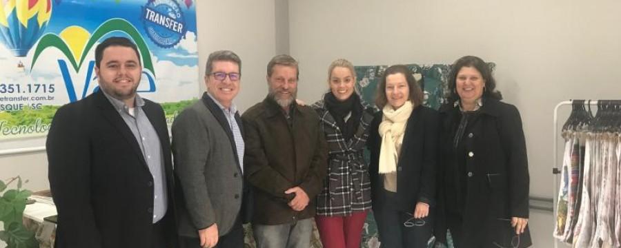 SINDIVEST e AMPEBR realizam reunião e visitas técnicas com gestor da ABVTEX